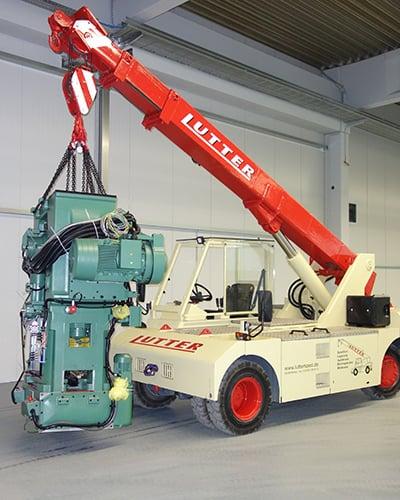 Lutter Spedition NRW - Betriebsumzüge - Maschinentransport - Logistik - Kranarbeiten mit Elektrokran