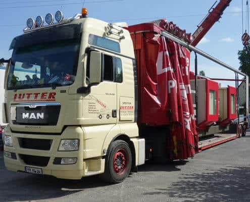 Lutter Spedition NRW - Betriebsumzüge - Maschinentransport - Logistik - Verladung von Maschinen auf LKW