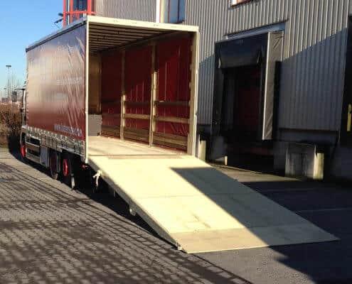 Lutter Spedition NRW - Betriebsumzüge - Maschinentransport - Logistik - LKW-Ladefläche