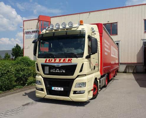 Lutter Spedition NRW - Betriebsumzüge - Maschinentransport - Logistik - Verladung auf LKW