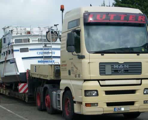 Lutter Spedition NRW - Betriebsumzüge - Maschinentransport - Logistik - Transport eines Schiffes