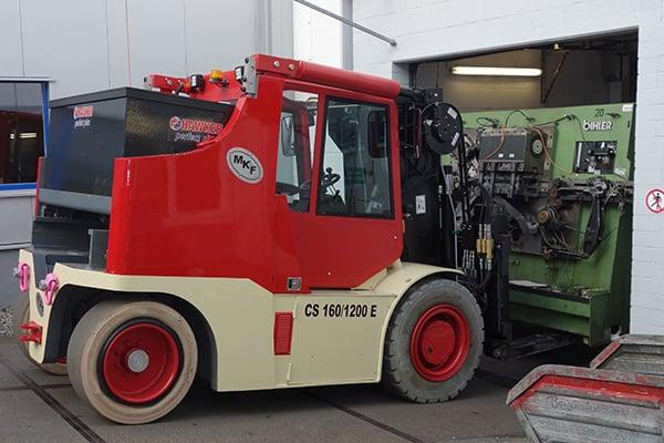 Lutter Spedition NRW - Betriebsumzüge - Maschinentransport - Logistik - Abbau einer Maschine