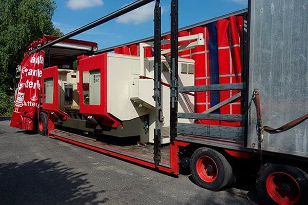 Lutter Spedition NRW - Betriebsumzüge - Maschinentransport - Logistik - LKW-Transport einer Maschine