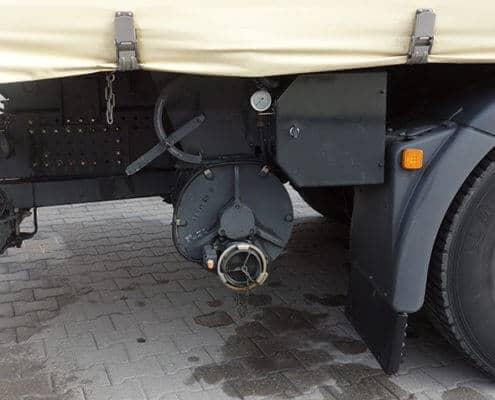 Lutter Spedition NRW - Betriebsumzüge - Maschinentransport - Logistik - Anschluss für Futtermittelaufnahme am Transporter